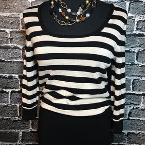 White House Black Market Sweater Rayon Sz S